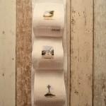 Rangez vos rouleaux de papier toilette dans ce joli porte -papier décoré de 3 aquarelles miniatures de Noirmoutier