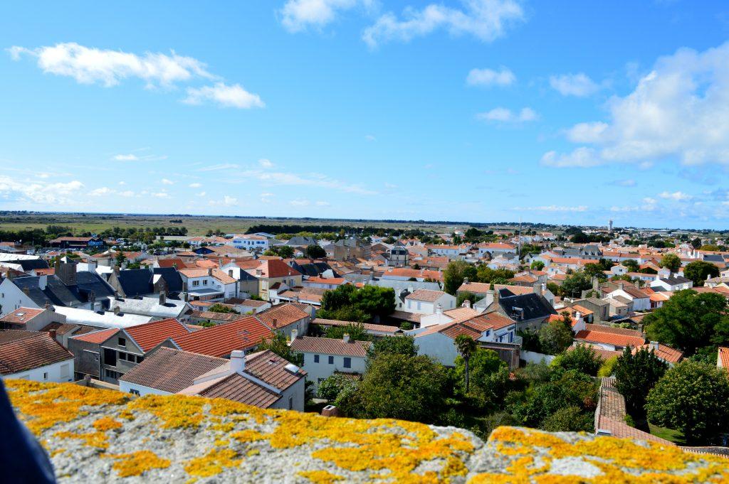 vue sur l'Epine depuis le château de nOIRMOUTIER