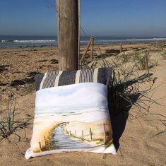 """Coussin carré """"allons à la plage"""""""